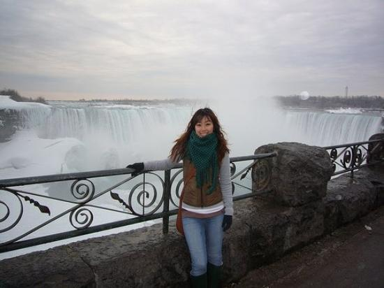 น้ำตกไนแอการา, แคนาดา: Niagara Falls, Canada (March 2009)