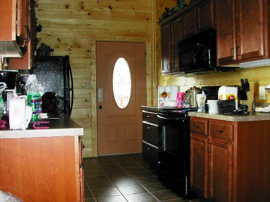 Gatlinburg Falls Resort: Cabin Kitchen