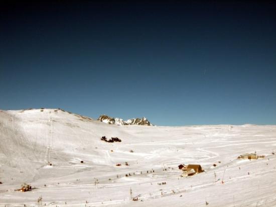 L'Alpe-d'Huez, ฝรั่งเศส: Alpe d'Huez, France   December 2008
