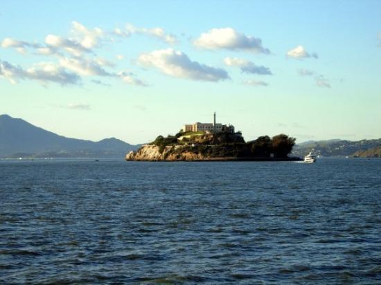 อัลคาทราซ: Ferry to Alcatraz San Francisco | January 2009