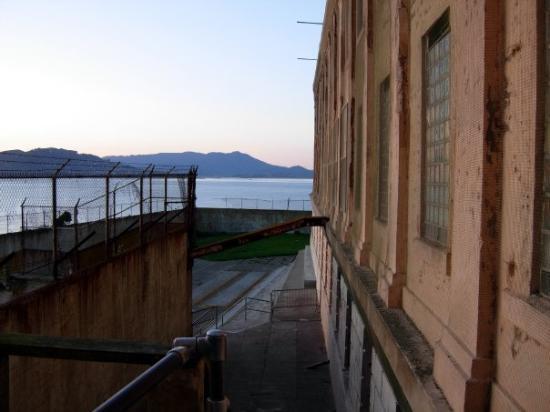 อัลคาทราซ: Alcatraz by Night San Francisco | January 2009