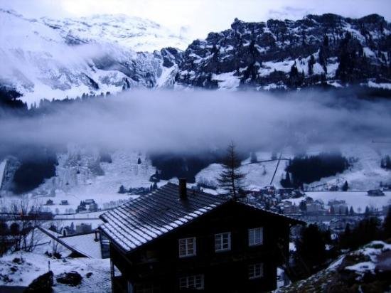 เอนเกลเบิร์ก, สวิตเซอร์แลนด์: The clouds are so close we can touch tem from the balcony!!