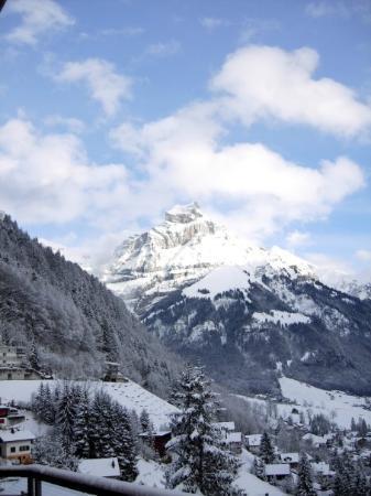 เอนเกลเบิร์ก, สวิตเซอร์แลนด์: View from the balcony Engelberg, Switzerland - Dec 2007