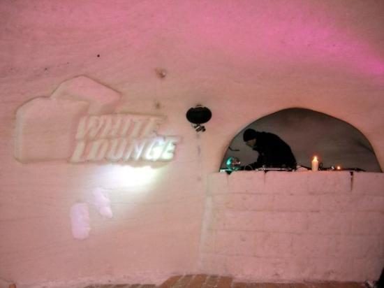Mayrhofen, ออสเตรีย: Igloo Party at The White Lounge - a club/bar made out of ice situated 2000m above sea level.