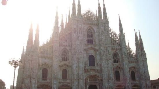 มิลาน, อิตาลี: at the Duomo
