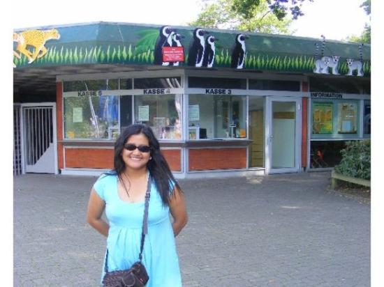 All Weather Zoo (Allwetterzoo Muenster): Happy, puas, senang dan gembira .. Ke kebun binatang melihat binatang binatang lucu membuat hati