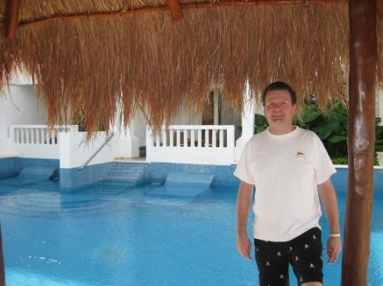 พลายาเดลคาร์เมน, เม็กซิโก: February 1, 2009:  Our swim up at the Princess Resort, Mexico