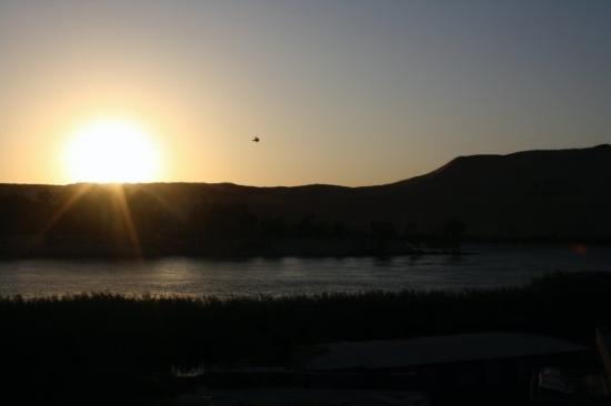 อัสวาน, อียิปต์: Sunset on the Nile