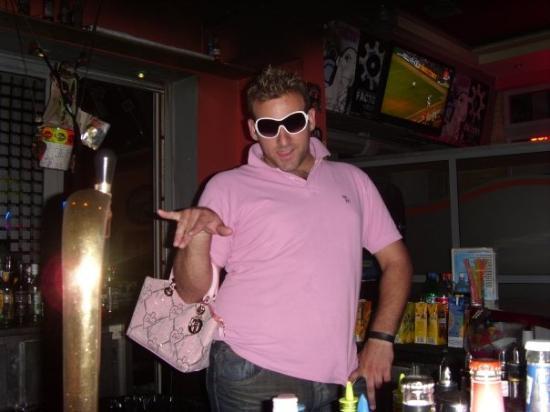 Argassi, กรีซ: Wehey......our entertainin Kostas lookin good