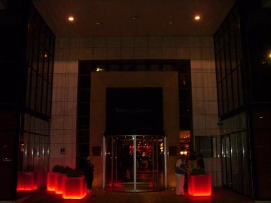 โซฟิเทลลิบอนลิเบอเดดโฮเตล: Gorgeous entrance