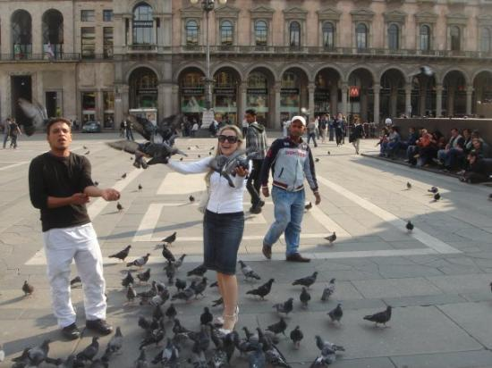 มิลาน, อิตาลี: Milan Duamu