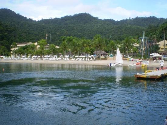Angra Dos Reis: Playa y muelle