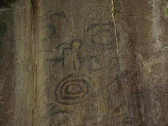 มาชูปิกชู, เปรู: Wow, 500 year old cave paintings... Signed early Picasso