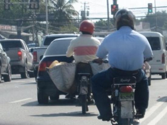 สาธารณรัฐโดมินิกัน: Dominican mail main on the Moto