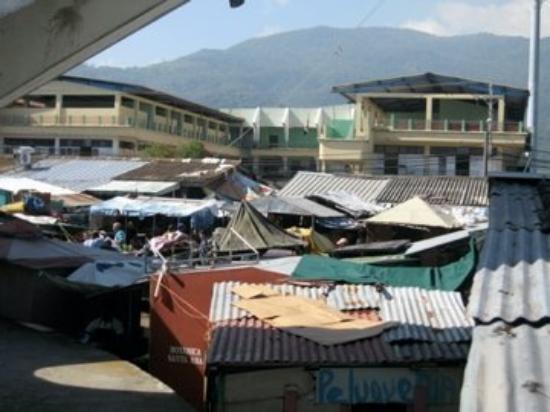 สาธารณรัฐโดมินิกัน: Pick a roof top.  It's not Slum Dog Millionaire