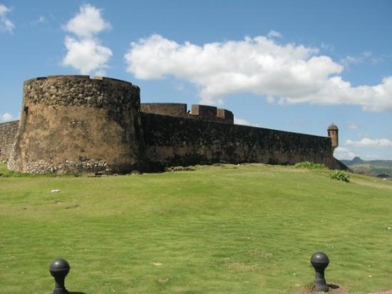 สาธารณรัฐโดมินิกัน: Some 17th Century fortress.  Arrgh there be Pirates...