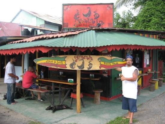 จาโค, คอสตาริกา: I think I'll open up a Jamaican Restaurant in Panama owned by two French girls.   Hey, why not?
