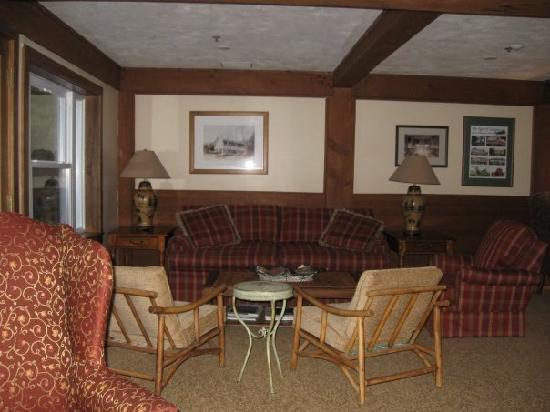 BEST WESTERN Silver Fox Inn: Seating Area