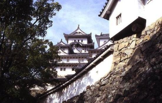 ฮิเมจิ, ญี่ปุ่น: CASTILLO DE HIMEJI 姫路城 Himeji-jō  El Castillo Himeji es un castillo japonés localizado en la c