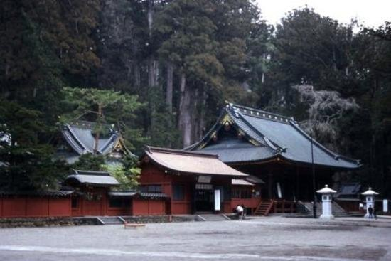นิกโก, ญี่ปุ่น: NIKKO 日光市, Nikkō-shi, literalmente 'luz del sol', es una ciudad de Japón que se encuentra en las