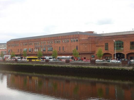 คอร์ก, ไอร์แลนด์: und gleich nebenan ein Einkaufszentrum...