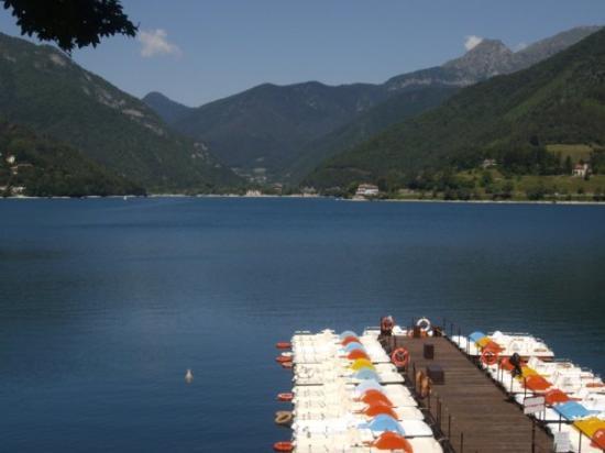 il lago Molina di Ledro, Italia