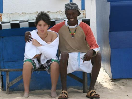 Kotu, แกมเบีย: Jonathan vid torget  - 30 okt