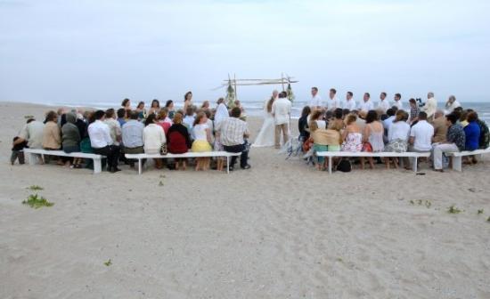 Emerald Isle, นอร์ทแคโรไลนา: Destination Wedding