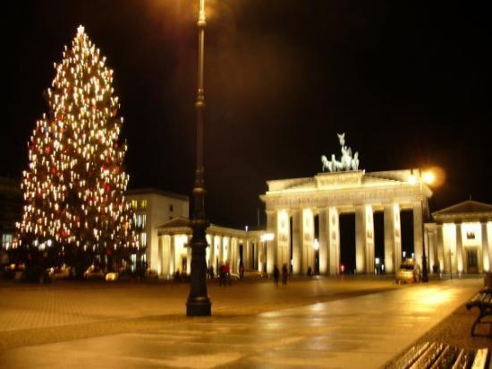 ประตูบรานเด็นเบิร์ก: Brandenburger Tor - Berlino
