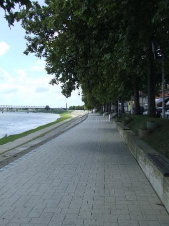 Slavonski Brod, โครเอเชีย: boulevard
