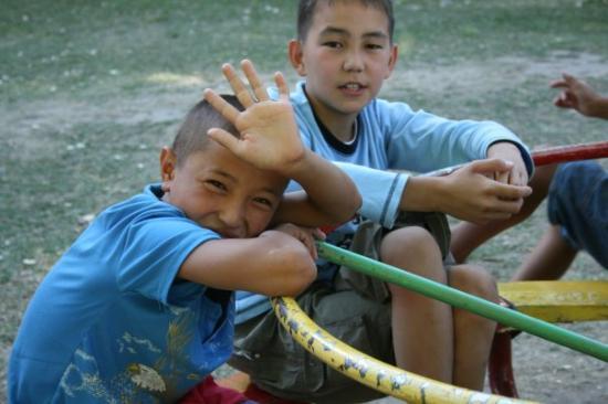 Turkestan, คาซัคสถาน: Kids in the camp