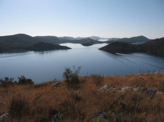 Kornati Islands National Park, โครเอเชีย: A toto bolo na konci zatoky Telascice..