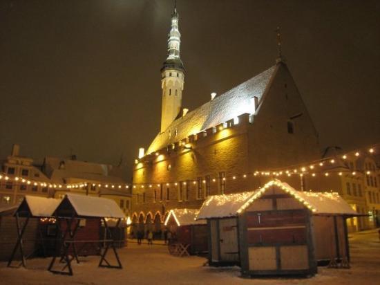 ทาลลินน์, เอสโตเนีย: Tallinn - Raekoja plats (town square)
