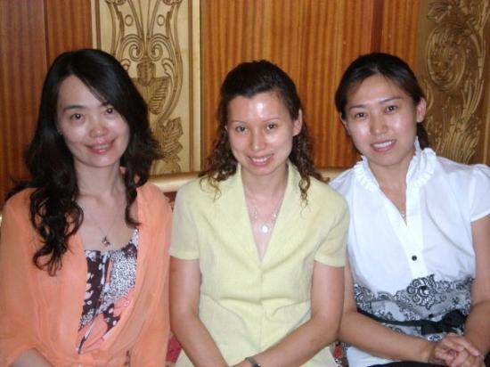 เทียนจิน, จีน: The ESM ladies