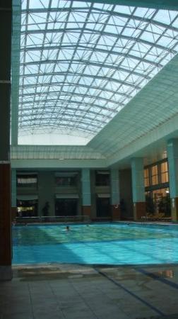 Pegasos World Hotel: Kølig pool indendørs....