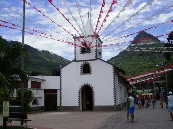 อีลากรันเด: Iglesia con decoracion