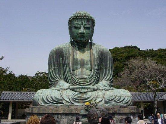 Kotoku-in (Great Buddha of Kamakura): The giant bronze buddha at Kamakura.