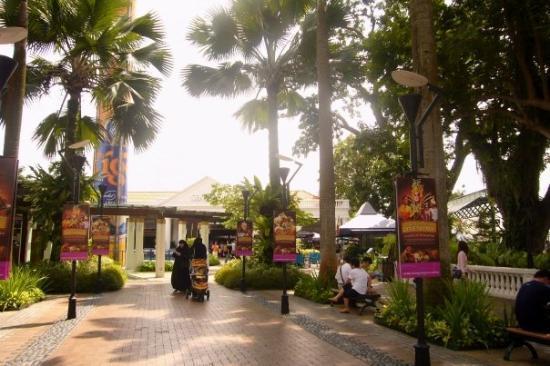 เกาะเซนโตซา, สิงคโปร์: ...好曬ar..= =...就黎變波子乾la..!!...