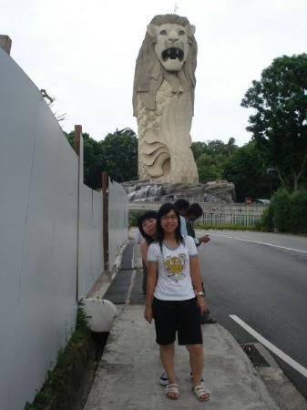 เกาะเซนโตซา, สิงคโปร์: ...明明zip左係joan後面...一影...個頭就出哂黎la...>u<..哈哈...