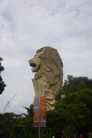 เกาะเซนโตซา, สิงคโปร์: ...都係側面望你係最靚...^^\..