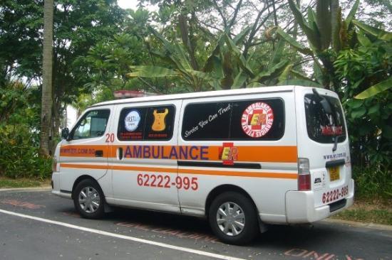 เกาะเซนโตซา, สิงคโปร์: ...e 架係ambulance ? ..似貨van多d bor..^u^/..kee...