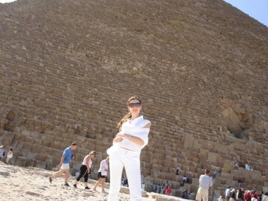 มหาพีระมิดกีซ่า: y aki, la de piedras q hicieron falta para construir las piramides