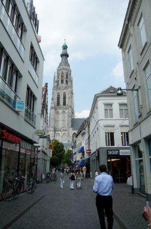 เบรดา, เนเธอร์แลนด์: Grote Kerk (Large Church) or Onze Lieve Vrouwe Kerk (Church of Our Lady)