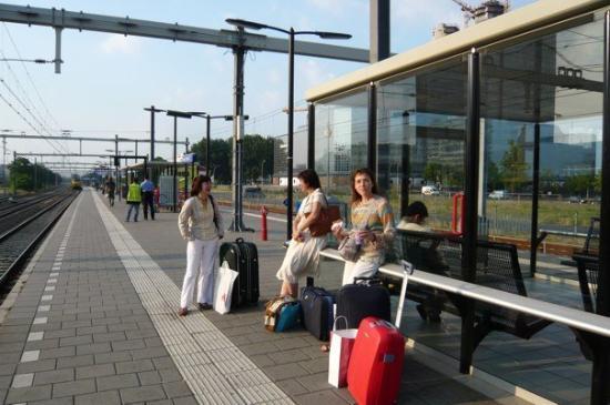 เบรดา, เนเธอร์แลนด์: Utrecht Central Station - on the way to Breda:)