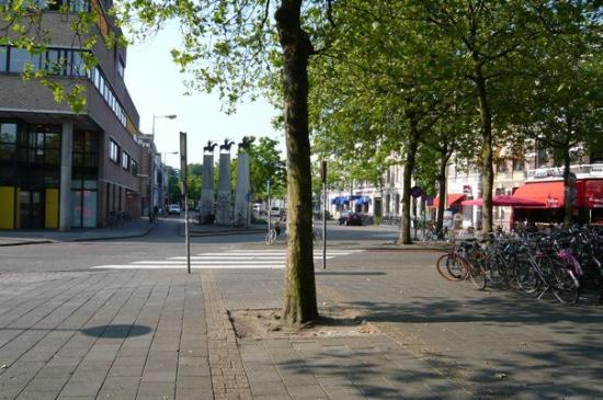 เบรดา, เนเธอร์แลนด์: Breda-outside the railway station