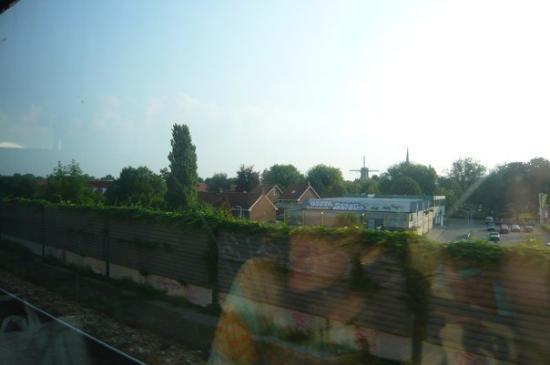 เบรดา, เนเธอร์แลนด์: windmill on the way to breda