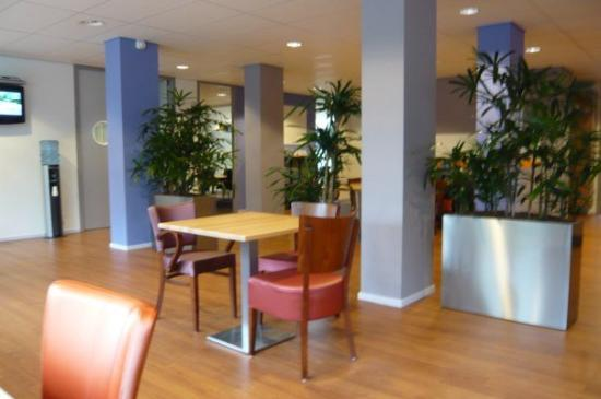อูเทรคต์, เนเธอร์แลนด์: At Movisie - one of the most comfortable chairs:)