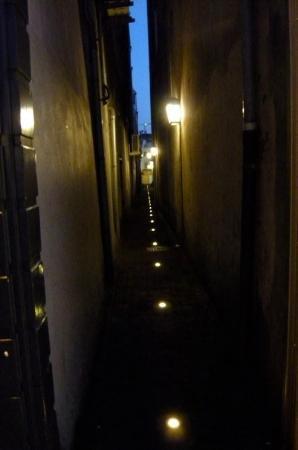 อูเทรคต์, เนเธอร์แลนด์: the narrow streets of Utrecht