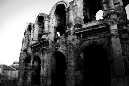 อาร์ลส์, ฝรั่งเศส: Arènes d'Arles