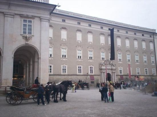 ซาลซ์บูร์ก, ออสเตรีย: The Residence, Saltzburg